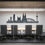 Kölner Skyline in Büroraum